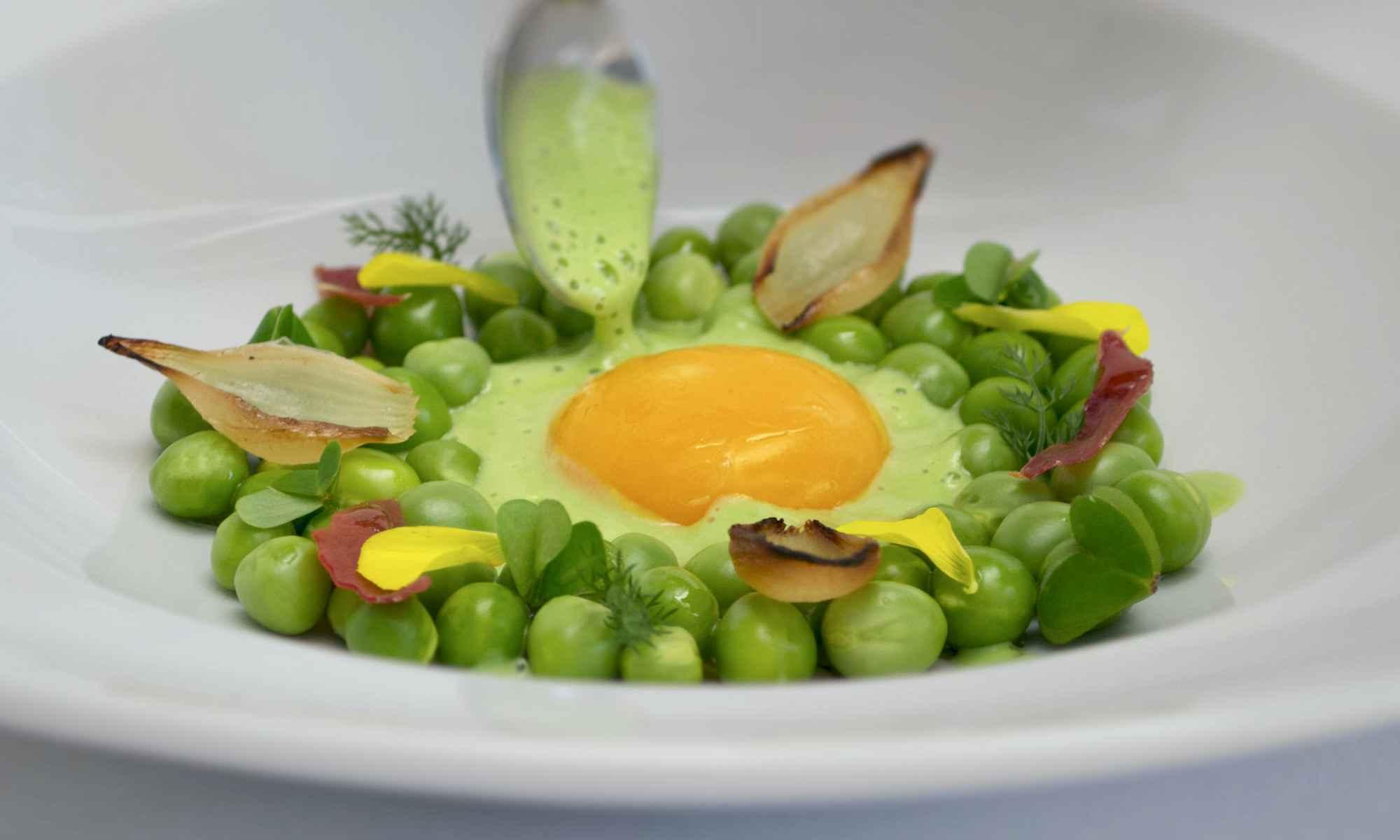 Pollensa Private Chefs - Confit egg yolk & peas